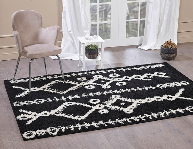 Moroccan-5532 Black & Ivory Shaggy Rug