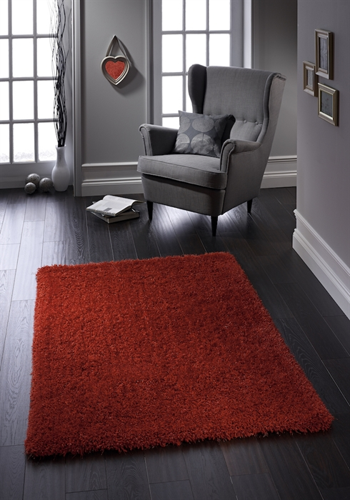 Chicago Red Shaggy Rug